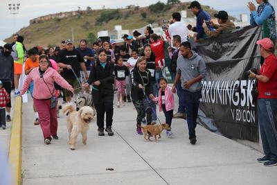 Buena vibra en la quinta edición de Perruning en Durango