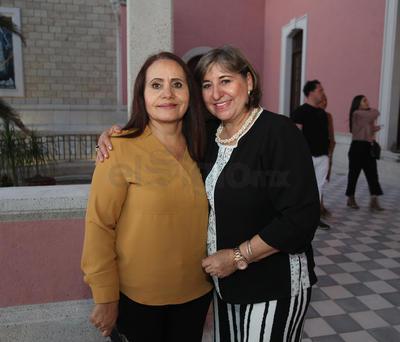 Lucy Duarte y Karina Aguirre.