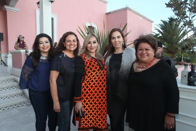 Luz María Muñoz, Isela García, Lilia Rosales, Sonia Flores y Ana Isabel Haro.