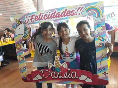 11102018 Ximena, Daniela y Megan.