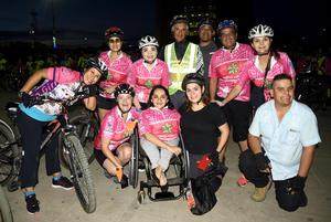 11102018 POSAN PARA LA FOTO.  Ana Sofía, Anayancy, Nadia, Arturo, Gerardo, Vero, Alicia y Rafa, entre otros.