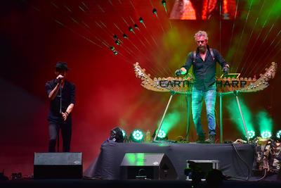 Cerca de tres mil personas, escucharon el concierto que abrió el Festival Cultural de Coahuila, literalmente dentro del instrumento que ha llevado al artista norteamericano a recorrer el mundo con su música.