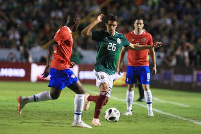 Costa Rica, quien tuvo dominio del encuentro durante la mayor parte del primer tiempo reglamentario, gradualmente fue cediendo terreno para que los aztecas hicieran valer su localía, no sin antes abrir la pizarra en Monterrey al minuto 28 con un gol de Campbell.