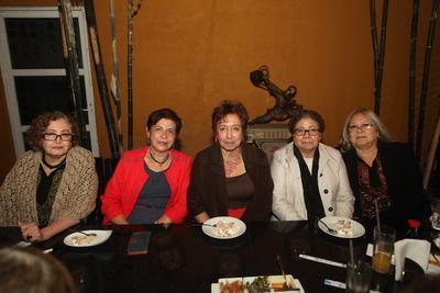 Marilyn, Chayito, Irma, Lucy y Lucy Valenzuela.