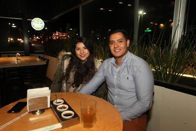 Gabriel Martínez y Vanessa Flores.