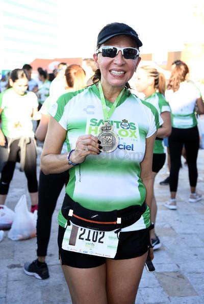 Participantes festejaron al termino de la carrera.
