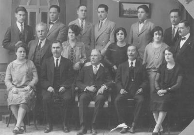 14102018 Empleados de la Secretaría de Hacienda en 1927. Aparece el Sr. Armando Juárez Hernández. Aguascalientes, Aguascalientes.