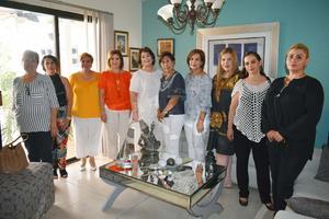 14102018 POSAN PARA LA FOTO.  Coco, Gris, Marisa, Carmelita, Lupita, Lupita, Carmen, Nayeli, Nonis y Abril.