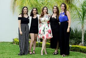 15102018 POR CASARSE.  María del Pilar Luna Leal con sus amigas en su despedida de soltera.