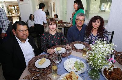 Evelyn León, Gaby de Haro, Ángel y Paty Guerrero.