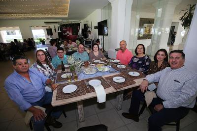 Familia Sáenz Cervantes, familia Partan González y Dr. Jorge Ramírez e Ing. Ávila.