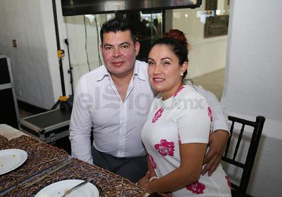 Omar Cano y Elena Abigail