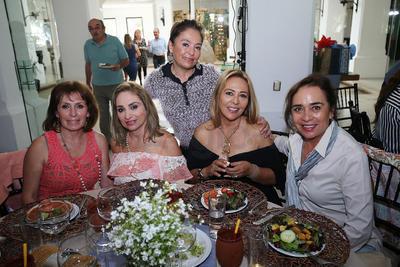 Diana Banda, Sede Latorre, Lulú Gamboa, Lety Farias y Norma Muñoz.