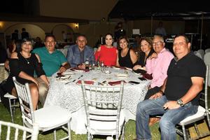 Alma, Armando, Héctor, Lola, Rosa, Ivana, Miguel, Bruno y Julia