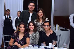 Ramsés, Ana, Karla, Sara y Ángel