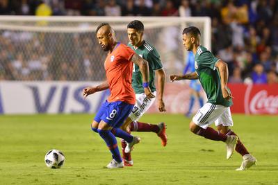 """Con un solitario gol de Nicolás Castillo al minuto 88, la Selección Mexicana cayó ante """"La Roja"""" en La Corregidora, en partido amistoso."""