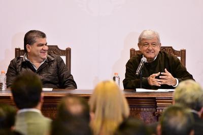 López Obrador se reúne con Riquelme en Saltillo