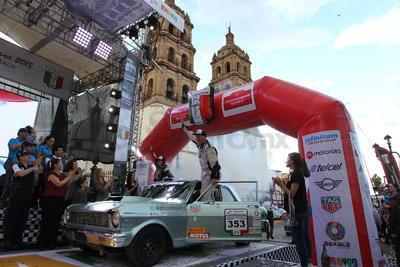 Una vez más Durango ha cumplido con la Carrera Panamericana, el Centro Histórico estuvo concurrido por la ciudadanía durangunse, que cada edición se va familiarizando más con este evento del motor.