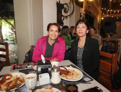 María Isabel Rodríguez y  y Marha Hernández.