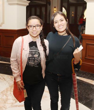 Ángela Rodríguez y Mariela Martínez.