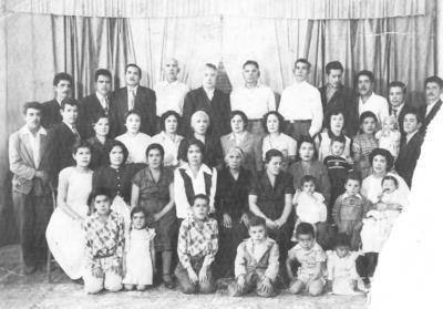 21102018 Familia Rojas Gámez, Ernesto Castañeda con su esposa, Leonor Gallegos, que hoy cumple 89 años, acompañada de sus hijos: Ernesto, Miguel y José Ignacio.