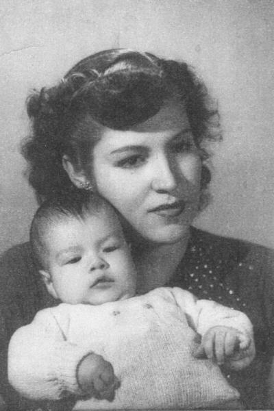 21102018 Sra. doña Maruca Gurrola Aldama de Gómez Palacio (f) y Dr. Francisco Gurrola Gómez Palacio, en 1951