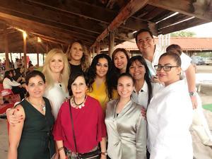 21102018 LA FOTO DEL RECUERDO.  Amigos en la Pasarela + Gastronomía que organizaron la Fundación Imelda Widen A.C. y el Club Rotario Torreón Centenario en las Dunas de Bilbao.