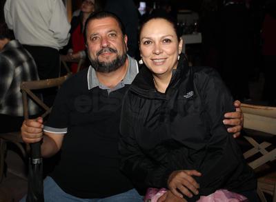 Fernando Seade Bechelani y Selene de Seade.