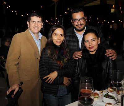 Ludovico Dugenest, Francisco Hernández Deras, Zoe Zamudio e Iris Zamudio.