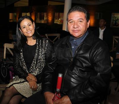 Mayela Concha López y Gilberto Villanueva Fierro.