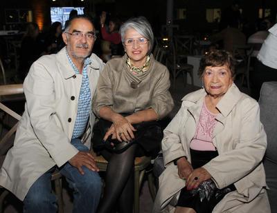 Gisella Gutiérrez Polo, Maria Luisa Soto Cesaretti y Alberto Pérez Arellano.
