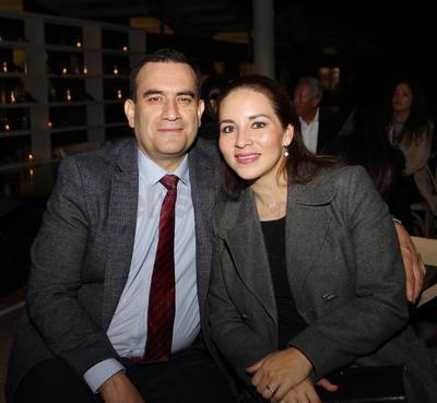 Daniel de la Cruz y Alejandra Córdova.