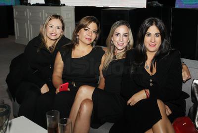 Tere, Paloma, Lorena y Karen.
