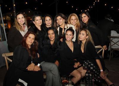 Liliana Gallardo, Liliana Gallardo, Mayea Cepeda, Lupita Morales, Karla Smythey, Abril de Ubiña, Nora Mijares, Verónica García, Taycia Herrera, Ivonne Majul y Carmen Ortiz.