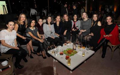 Carmen Durán, Gabriela García, Delia Bishop, Alicia Meraz,  Ana Menchaca, Cynthia Saucedo, Marcela González, Sandra Ganoy, Diana Sarmiento y Marcela López.