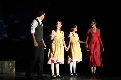 La obra estuvo dirigida por Miguel Meraz, con Sofía Ávalos en dirección coreográfica, Amador Lugo en la vocal, Astreberto Monroy en la musical.