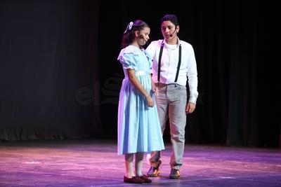 La dirección coreográfica estuvo a cargo de Sofía Ávalos y la dirección vocal de Amador Lugo.