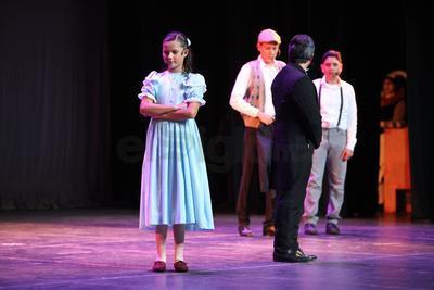 Volvió al escenario en el que debutó a finales de mayo pasado como parte de un proyecto artístico del Colegio Guadiana La Salle.