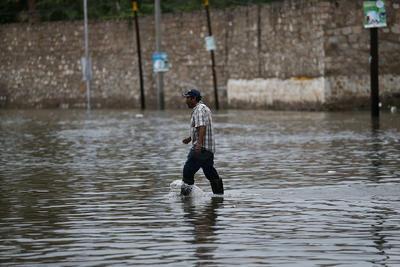 Desborde del río El Tunal inunda a El Pueblito