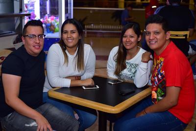 25102018 Adrián, Wendy, Anabel y Carlos.