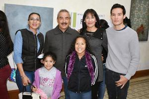 26102018 RECIENTE EVENTO.  Nidia, Héctor, Magda, Alberto, Camila y América.