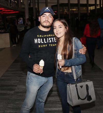 Jonathan y Paola.