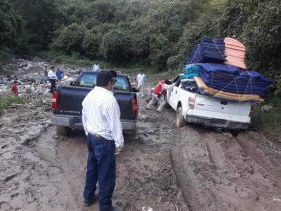 Llevan apoyos a Jocuixtle, Pueblo Nuevo
