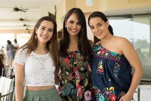 Karen Gonzalez Cristy Pereda y Astrid Castaneda