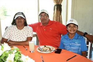 Marcela Laredo, Salvador y Eldrick Guerrero