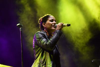 Milanés interpretó temas como Cicatrices y De qué callada manera.