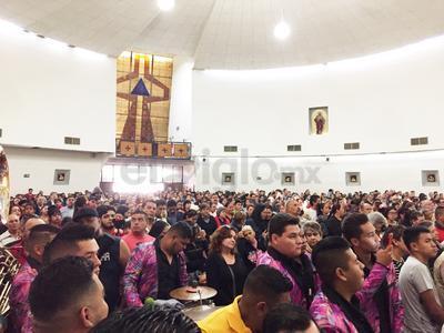 La parroquia lució abarrotada.