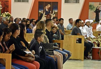 Orozco se sentó en los primeros bancos del inmueble para escuchar la misa.