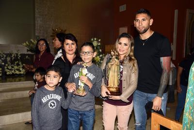 La familia completa de Jonathan Orozco estuvo presente en el evento.