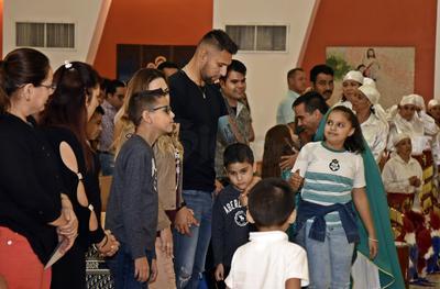 Acompañado de familiares, amigos y seguidores, Orozco fue a la celebración de la misa.